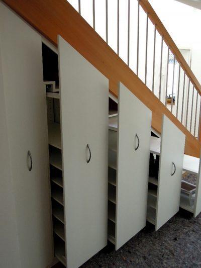 Vollauszugelemente unter der Treppe