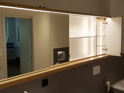 Spiegelschiebetüren mit LED Beleuchtung